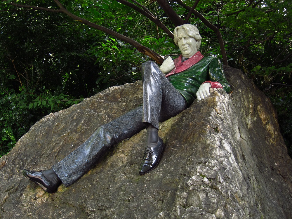 Merrion Square, Oscar Wilde memorial - Dublin