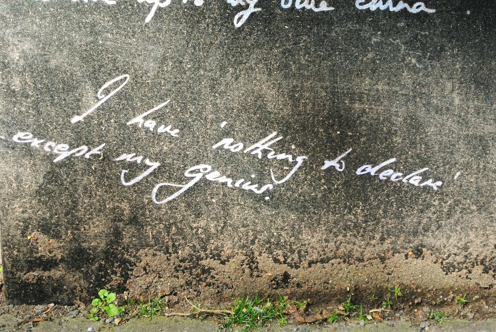 "Merrion Square, Oscar Wilde memorial : ""I have nothing to declare except my genius"" - Dublin"